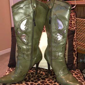 NWT Beautiful sage green cowboy boots high heels